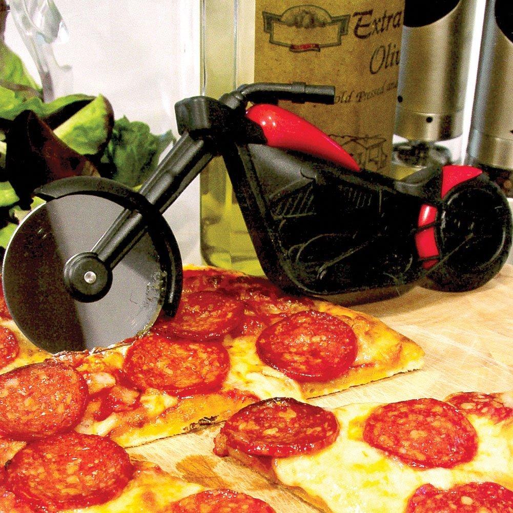 """Il """"Pizza Chopper"""" il taglia pizza a forma di chopper, le chicche dal web."""