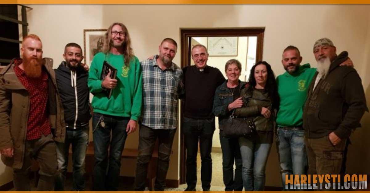 Consegnati i fondi raccolti dagli Harleysti per il restauro dell'organo monumentale Stefanini.